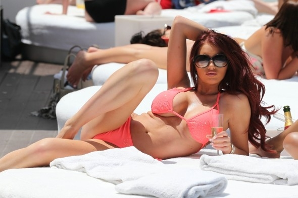 AMY CHILDS HOT FOTO N.006  - Fotogallery</title>