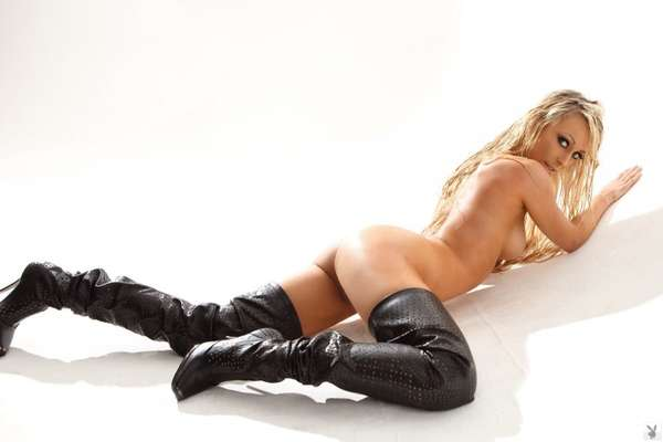 BRITTANY BARBOUR HOT FOTO N.010