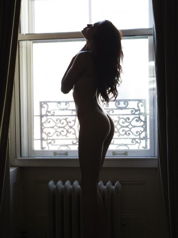 SHANINA SHAIK HOT FOTO N.002  - Fotogallery