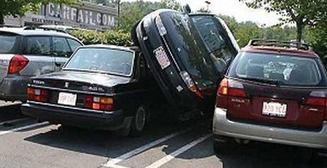 Donne che parcheggiano