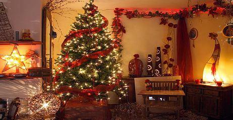 Decorare l 39 albero di natale tante idee originali ed - Idee x decorare l albero di natale ...
