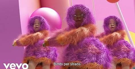Bimbi Per Strada (Children)  - Il 29 agosto 2020 Publiweb ha creato la playlist di Bimbi Per Strada (Children)  che comprende Video musicali, Hit, mp3, song, lyrics