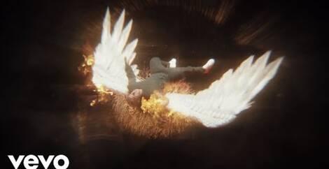 L`ANGELO CADUTO - Il 12 ottobre 2021 Publiweb ha creato la playlist di L`ANGELO CADUTO che comprende Video musicali, Hit, mp3, song, lyrics